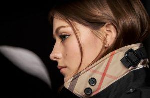 burberry-cat-lashes-3
