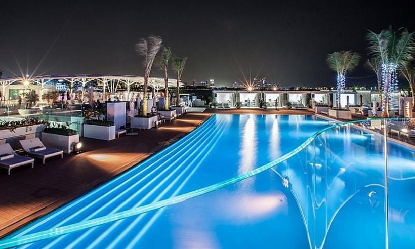 burj-al-arab-terrace-4