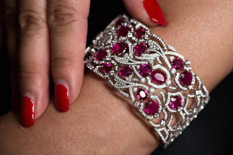cartier-high-jewellery-koinobori-secret-watch3