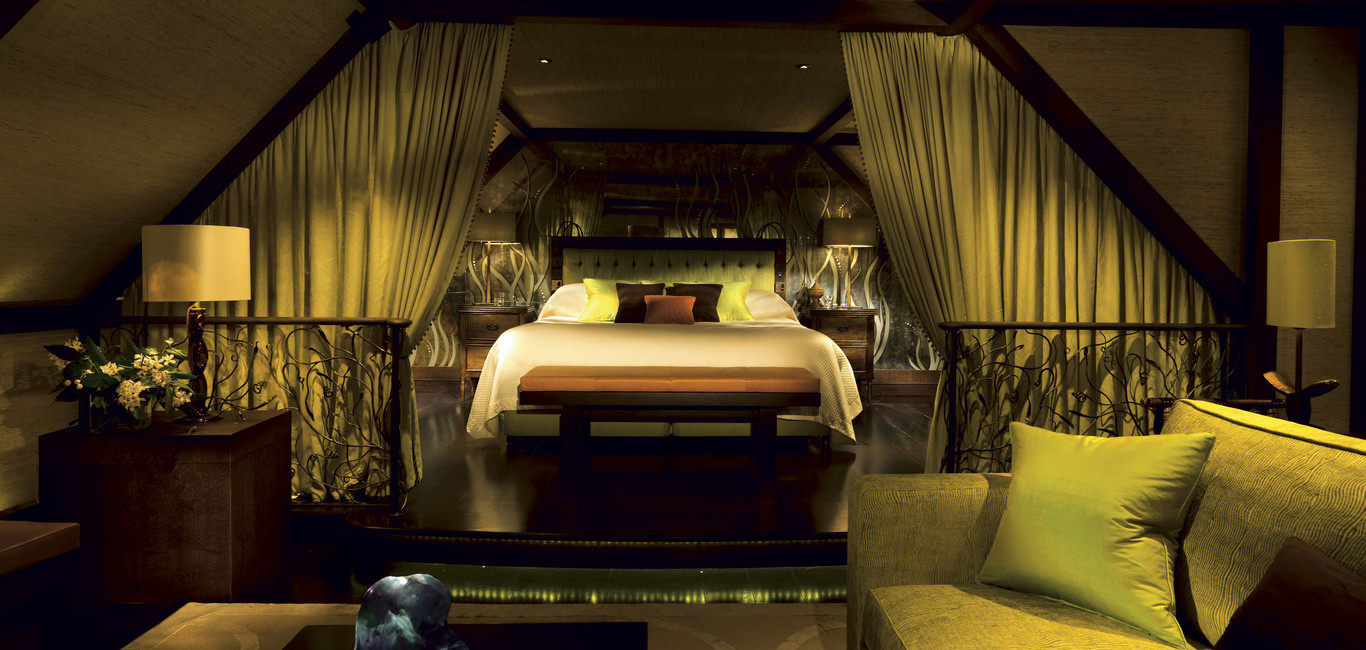 olem_1366x650_room_superior_suite_jade01
