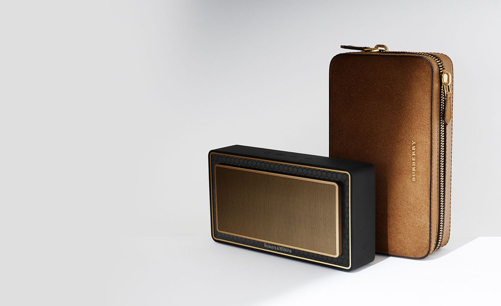 burberry-bowers-wilkins-t7-gold-edition-speaker-2