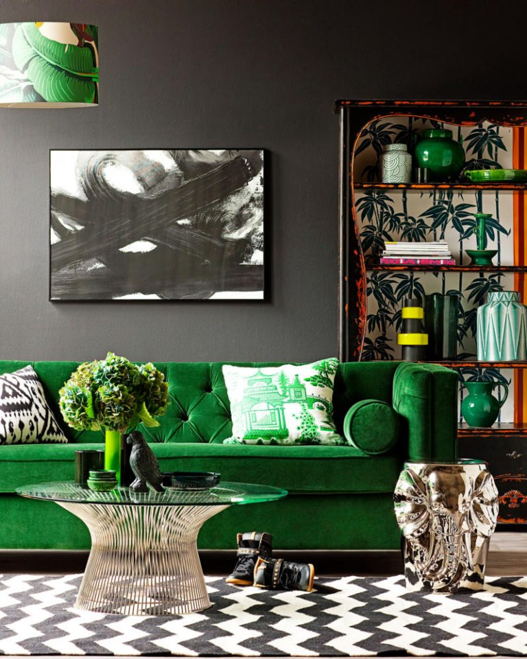 Color-of-the-Year-2017-by-Pantone-is-Greenery-Living-Room-luxury-Homes-768x960