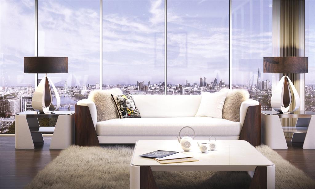 Versace Aykon london100183_LWN150891_IMG_26_0000