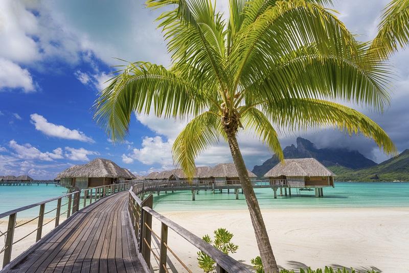 Road tobeautiful Bora Bora