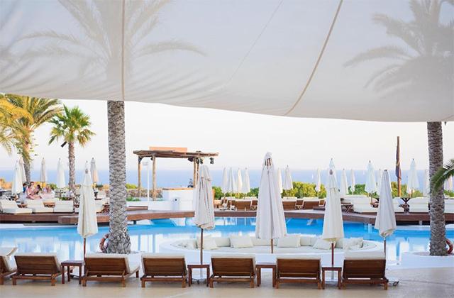 Best-beach-clubs-x-around-the-world-x-inside4