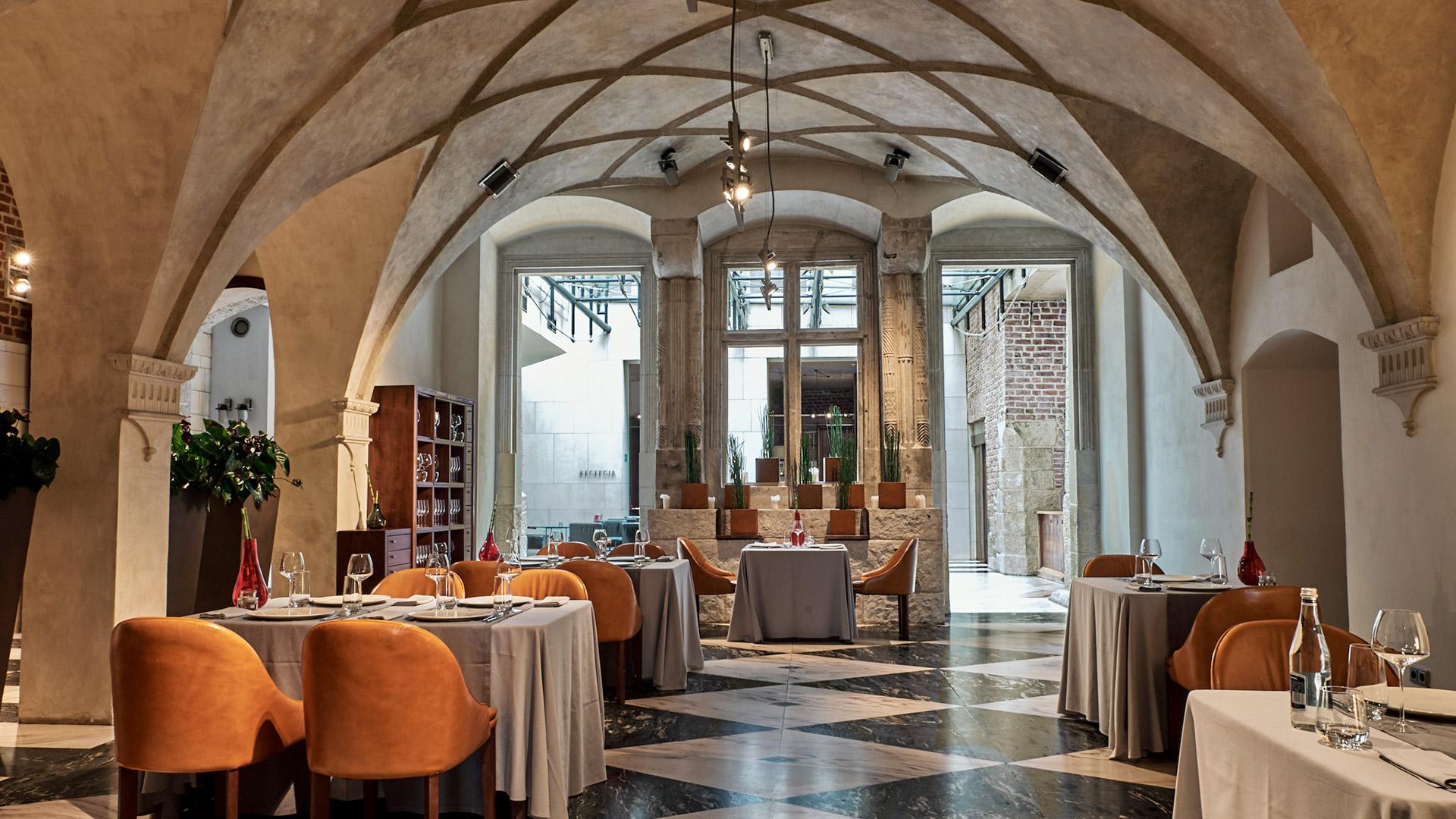 hotel-stary-krakow-laureat-nagrody-prix-villegiature-najpiekniejsze-wnetrze-hotelowe-w-Europie (28)(1)