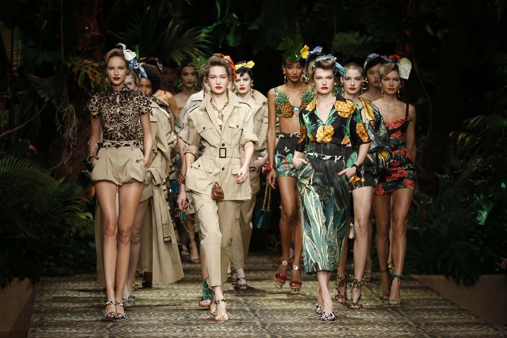 11113813-dolcegabbana-womens-fashion-show-ss20-details-287_cover_1000x667