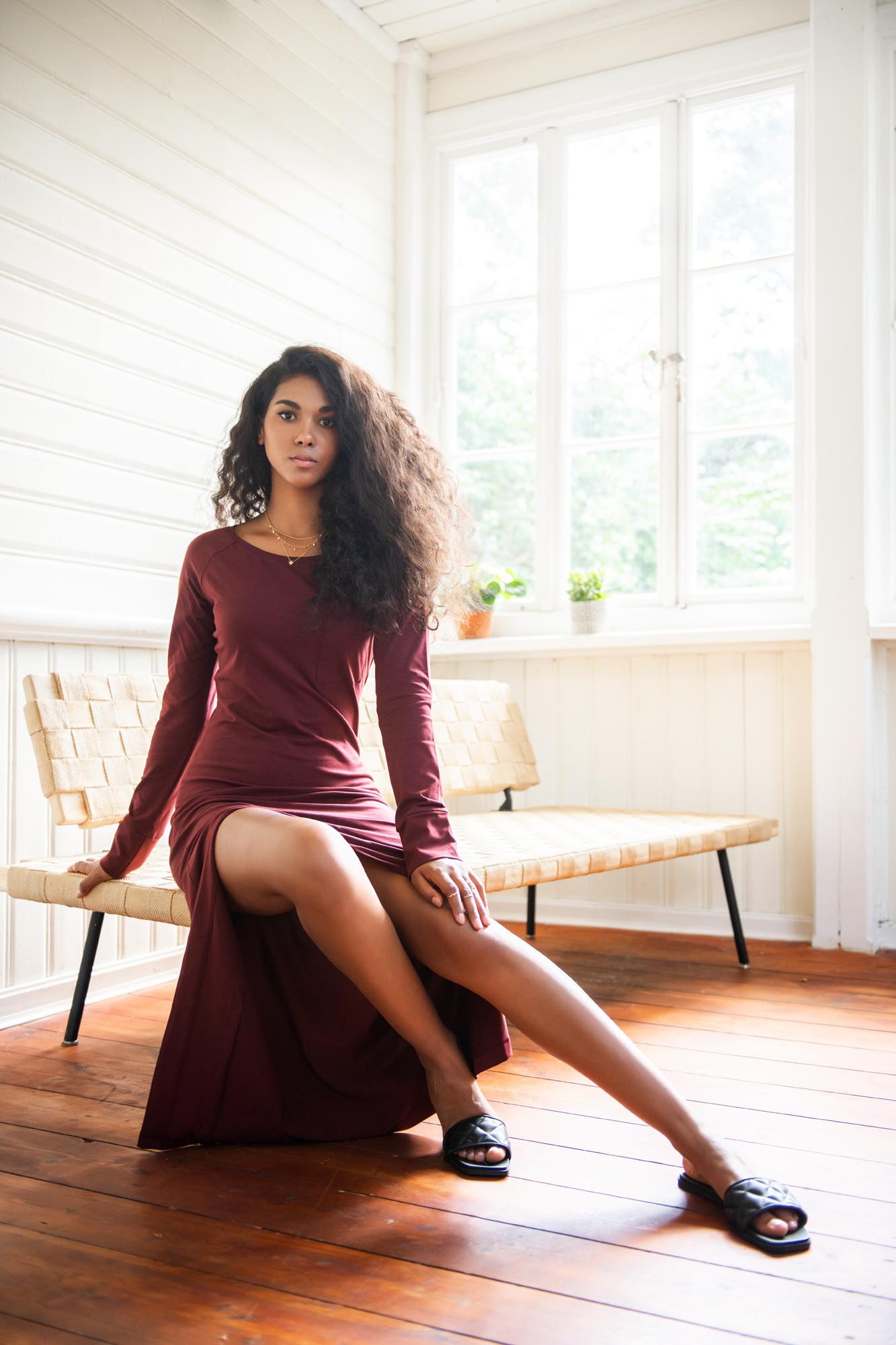 9418-sukienka-kobieca-historia-ciemny-burgund-mktpdsc-6876