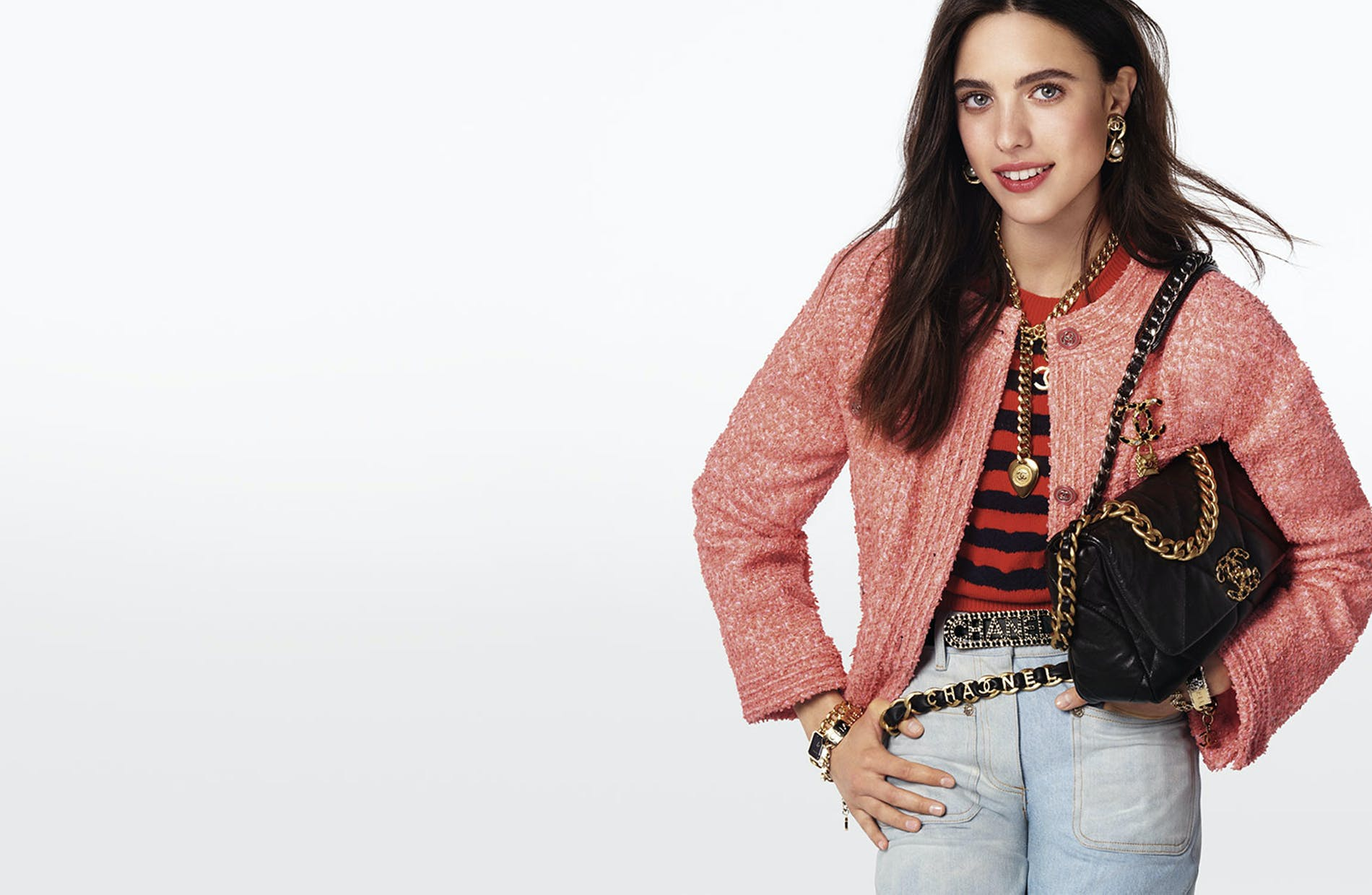 1603875171917703-01_CHANEL_19_bag_ad_campaign_photographed_by_Steven_Meisel_Margaret_Qualley_LD