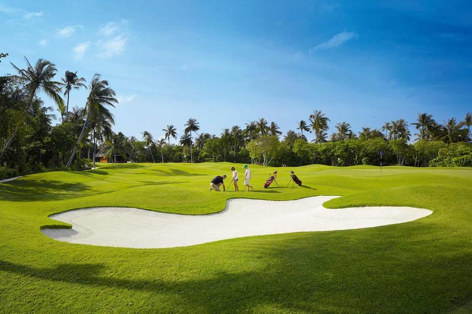 Velaa Private Island pole golfowe